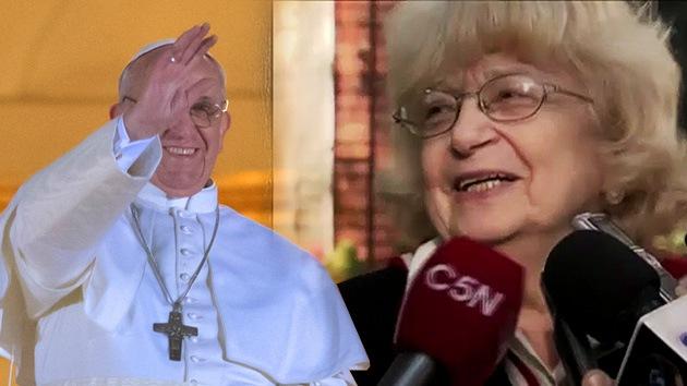 """Al papa Francisco le salen ex novias: """"Si no me caso con vos, me hago cura"""""""