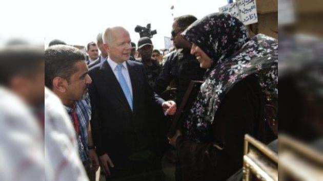 Dos ministros británicos viajan a Bengasi, el bastión de los rebeldes libios