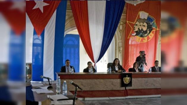 Cuba condena a un empresario chileno y a un ex ministro cubano a prisión por corrupción