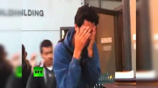 Video: estudiantes de EE. UU. piden clases baratas y reciben gases lacrimógenos