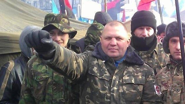 """""""¡Ahora a la horca y al Maidán!"""": Líder radical ucraniano agrede a empleado de Fiscalía"""