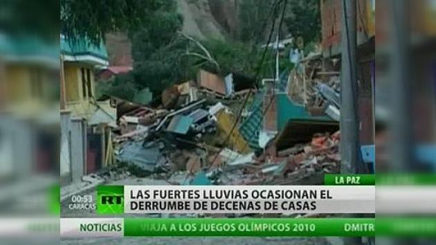Un deslizamiento de tierra destruye decenas de casas en Bolivia