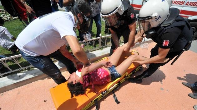 Turquía deja fuera de la ley la asistencia médica sin autorizacion del Gobierno