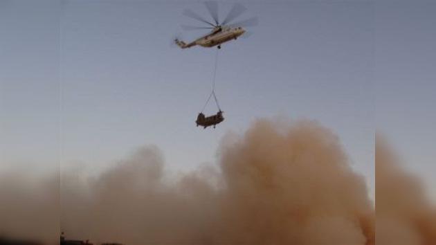 Pilotos rusos rescatan un helicóptero de la OTAN