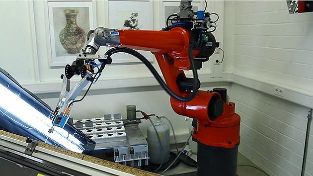 Video: e-David, el robot que pinta como los grandes maestros