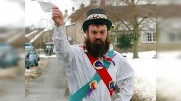 Un británico recorre 193 kilómetros interpretando un baile tradicional