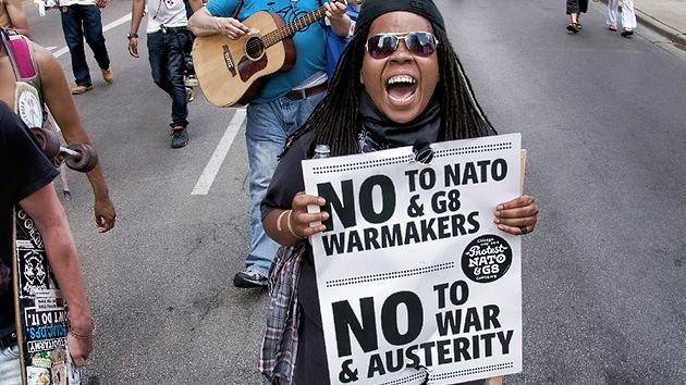 Chicago ante un 'terremoto': 2.500 manifestantes exigen disolución de la OTAN