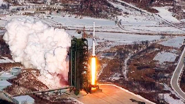 Corea del Norte lanza dos misiles de corto alcance al mar desde la costa este