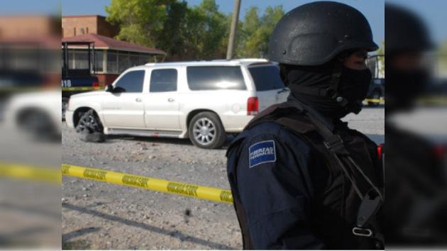 Lanzan una bomba al edificio del Consulado estadounidense en México