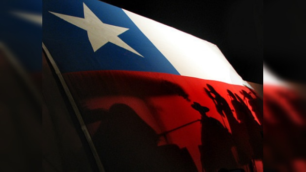 "Diario ""El País"" grita ¡Viva Chile, mierda!"