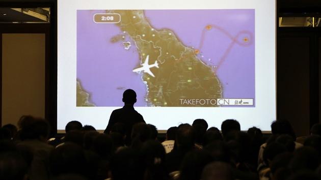 Afirman que el MH370 no cayó en la actual zona de búsqueda