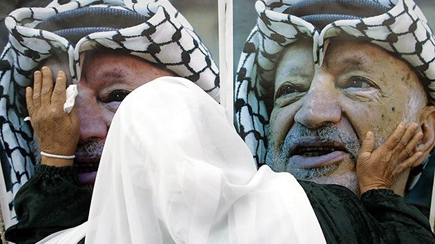 Francia decide investigar si Yasir Arafat fue asesinado con polonio en París