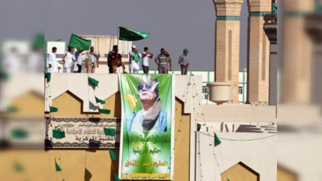 Trípoli: La renuncia de Gaddafi no está en la agenda