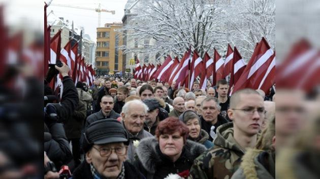 Diputado del Parlamento Europeo exhorta a condenar las marchas neonazis