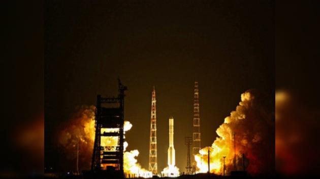 Lanzado desde Baikonur el cohete Proton que porta un satélite de EE. UU.