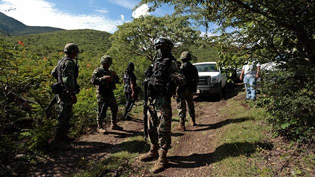 """Policía mexicana sobre los 43 estudiantes desaparecidos: """"Los quemaron vivos"""""""