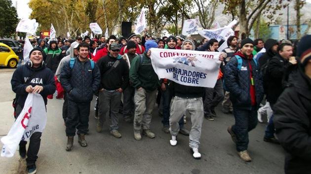 Los mineros chilenos se suman a las protestas estudiantiles