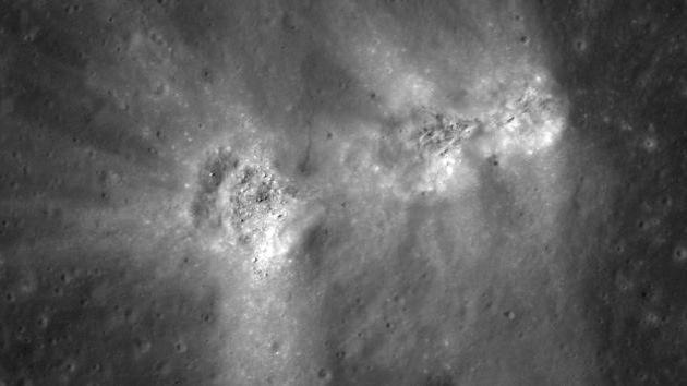 Fotos: 'Tres amigos', los misteriosos cráteres de la Luna