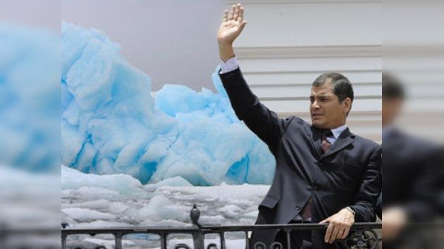Primer viaje a la Antártida de un presidente ecuatoriano