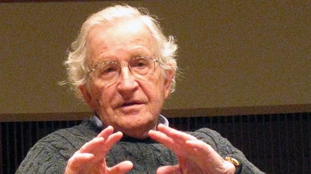 """Noam Chomsky: """"Cómo arruinar una economía en tres sencillos pasos"""""""