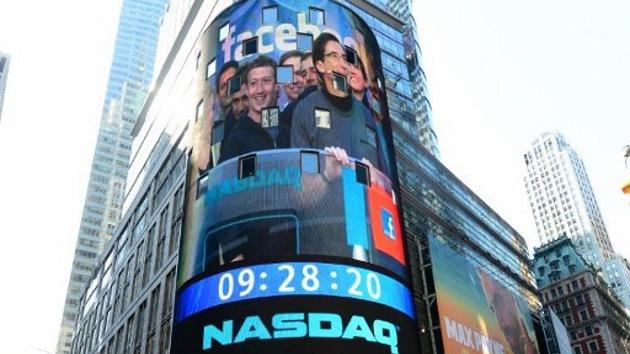 Zuckerberg saca tajada 'por la cara' de la caída en bolsa de Facebook