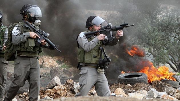 Israel usa fuerza letal contra los manifestantes palestinos desarmados