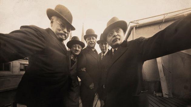 La primera 'selfie' de la historia data de 1920