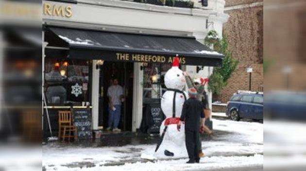 Despedido del trabajo por 'asesinar a sangre fría' a un muñeco de nieve