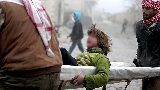 Colapso de la atención médica en Siria: ante la falta de anestesia, noquean con barras de metal