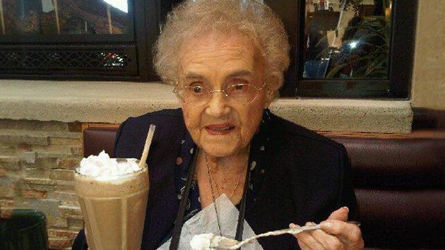 Facebook obliga a una estadounidense de 104 años a mentir sobre su edad