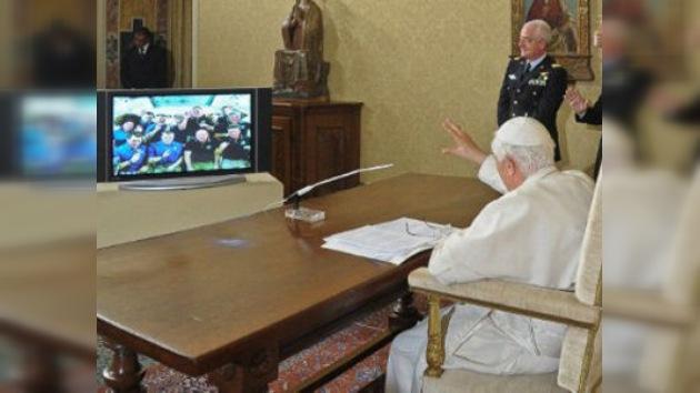 Por primera vez en la historia el Vaticano realiza un enlace satelital con la EEI