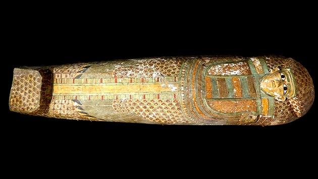 Egipto: Desentierran un sarcófago de hace 3.600 años con una momia bien conservada