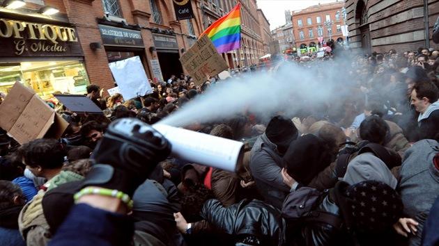 Fotos: Policía contra unos 100.000 opositores al matrimonio homosexual en Francia