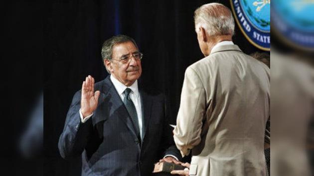 Panetta presta juramento como jefe del Pentágono