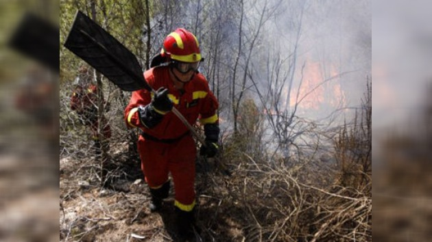 1.000 personas son evacuadas por un incendio forestal en Ibiza