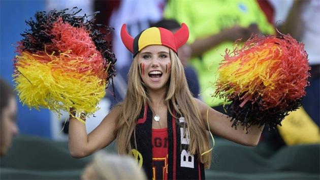 De Maracaná a la pasarela: una foto viral convierte en modelo a una aficionada belga