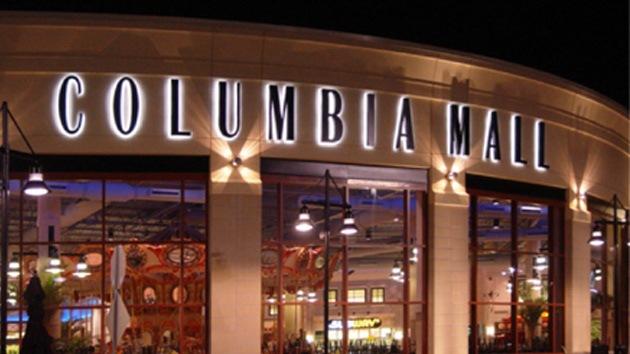 Tiroteo en un centro comercial a las afueras de Washington deja tres muertos