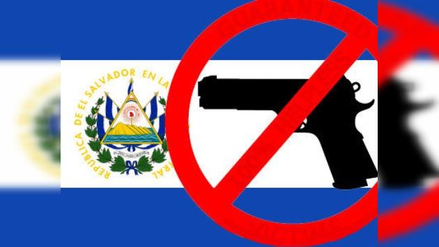 El Salvador busca reducir la violencia prohibiendo temporalmente las armas