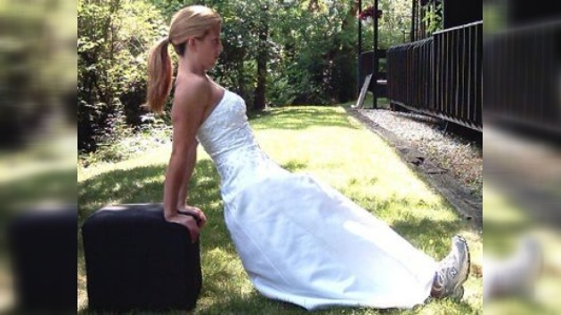 Las novias de EE. UU. se ponen uniforme de camuflaje para lucir en su boda