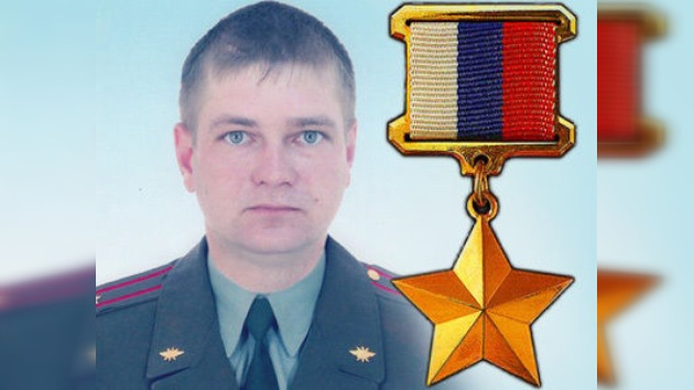 Honran al militar que murió al salvar a sus soldados de una granada