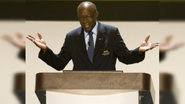 Jack Warner renuncia a la vicepresidencia de la FIFA tras escándalo de sobornos