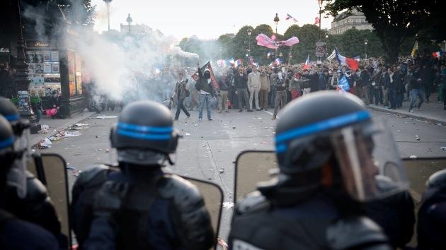 Video, foto: La protesta contra el matrimonio gay en París degenera en violentos disturbios