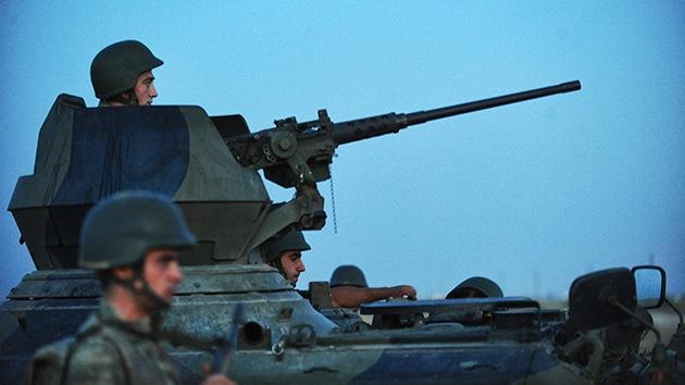 Turquía refuerza la artillería en la frontera con Siria