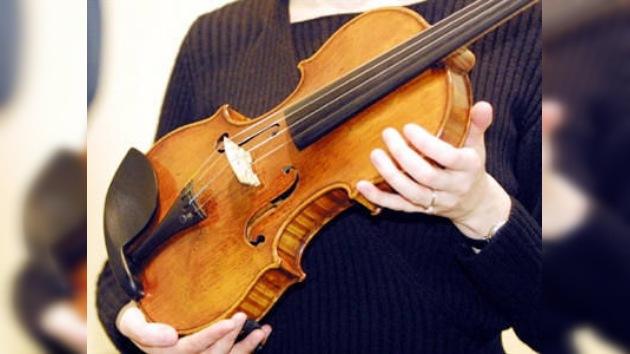 Violín Stradivarius de US$1,9M a cambio de un sándwich