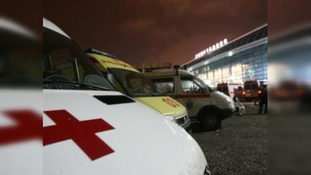 Decenas de moscovitas ayudan a las víctimas del atentado en Domodédovo