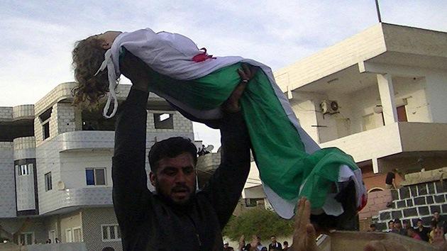Los rebeldes sirios denuncian la presunta matanza de al menos 100 civiles