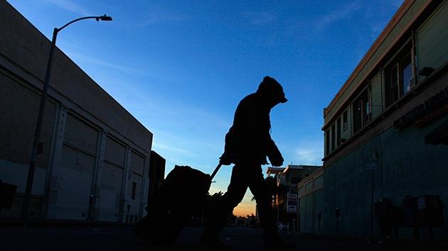 Obligan en Carolina del Sur a pagar a grupos que alimentan a los sin hogar en parques