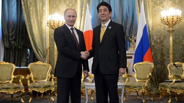 """""""Lección más importante para Japón tras el viaje de Obama: mejorar relaciones con Rusia"""""""