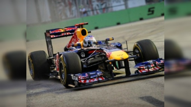Vettel domina los primeros entrenamientos libres de Singapur