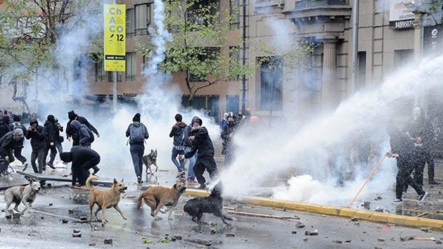 Los estudiantes chilenos 'irrumpen' en el debate presupuestario